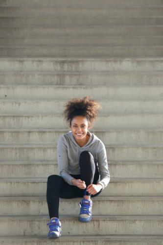 Chica calzado deportivo Chikihuellas